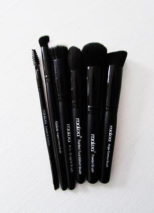 Набор кистей для макияжа malva