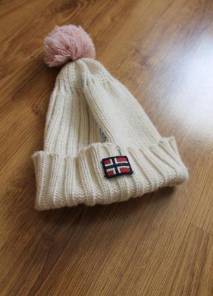 Суперстильная женская теплая шапка на небольшую голову с помпоном napapijri