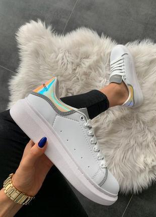 Шикарные женские кроссовки alexander mcqueen white shoes hologram