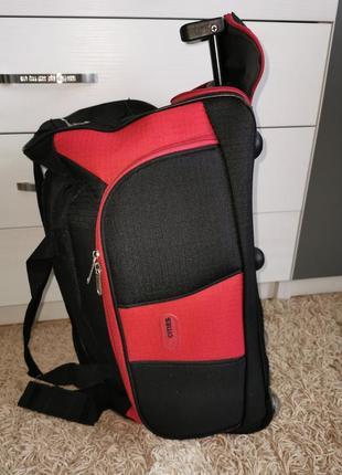 Сумка-чемодан на колесиках