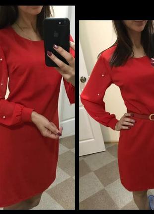Дуже красиве коротке червоне плаття