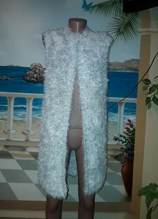 Теплий вязаний жакет світлого кольору!