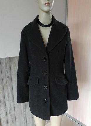 Изысканое кашемировое пальто дорогого брнда orsay!