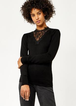 Красивы блузка с кружевом