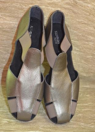 Новые кожаные сандалии footglove wider fit 5 1/2 р.