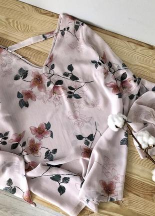 Нежнейшая блуза с актуальными рукавами