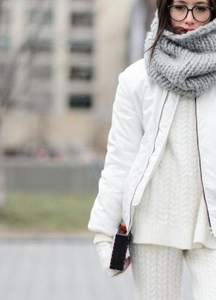 Актуальная белая курточка snowimage