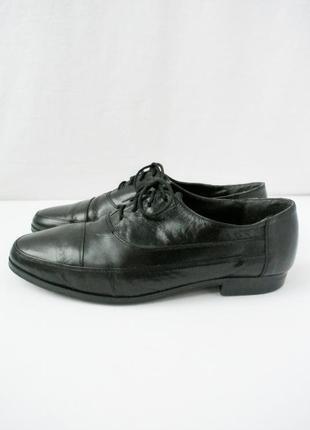Стильные красивые классические кожаные туфли. размер 7/39-40.