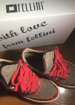 Итальянские кроссовки fellini