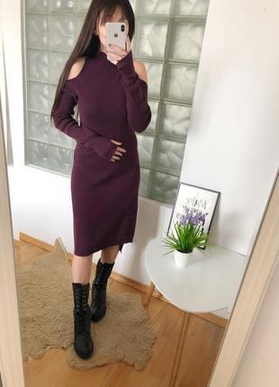 Теплое платье миди в рубчик c шерстью sweaty betty