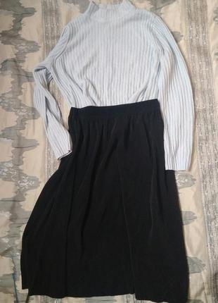 Актуальная юбка-миди плиссе
