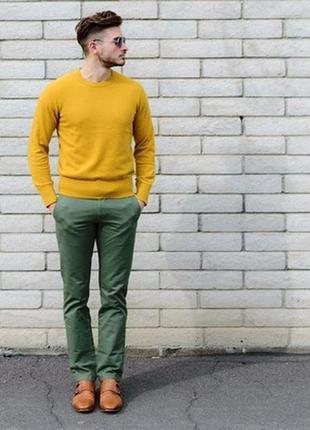 Очень стильный свитер трендового цвета m&s