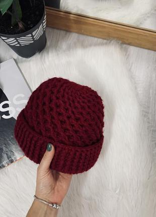 Теплюща шапочка кольору бордо🍂