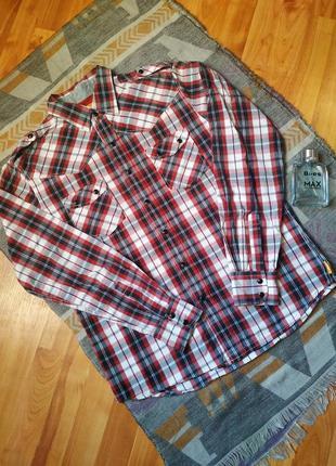 Оригінальна сорочка в клітинку