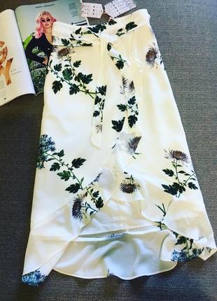 Актуальная белая юбка на запах !