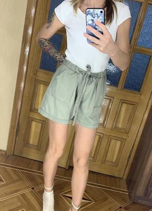 Высокие шорты amisu l