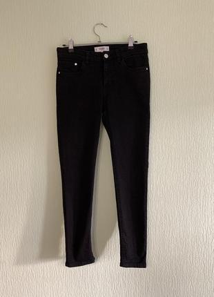 Чёрные джинсы скинни mango