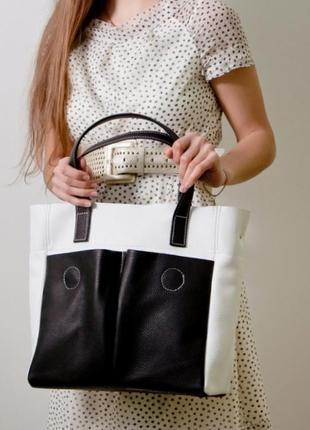 Женская сумка тоут из натуральной кожи с накладными карманами