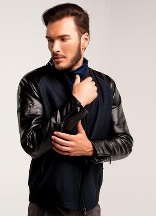 Мужская куртка с кожаными рукавами