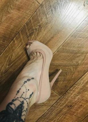 Bershka шикарные пудрово розовые туфли оригинальные