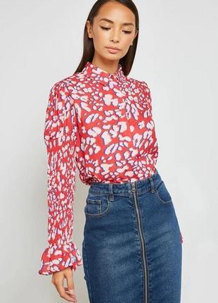Блузка/ рубашка леопард красная с жатым рукавом и рюшами lost ink