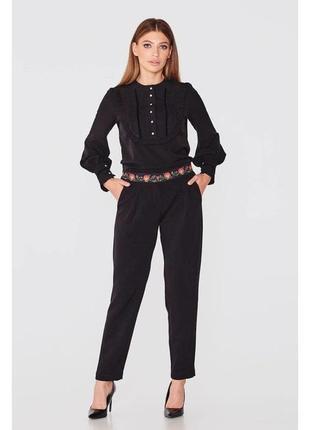 Стильні чорні брюки з орнаментом на поясі nenka. ціна оптова