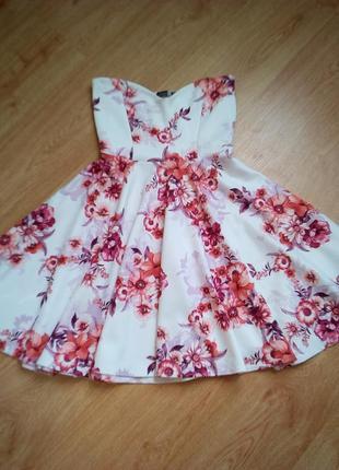 Милое платье бюстье в цветочный принт.
