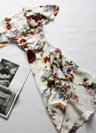 Красивое платье в цветочный принт на запах 12 л