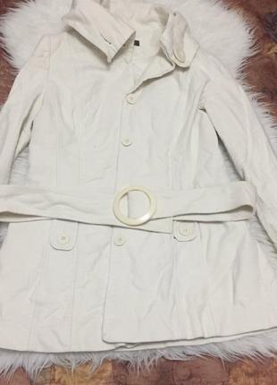 Стильное осенне весенне бежевое пальто