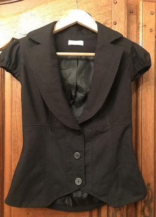 Жилетка,пиджак с коротким рукавом orsay в полоску
