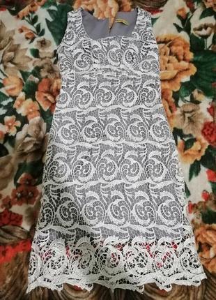 Шикарное, кружевное платье