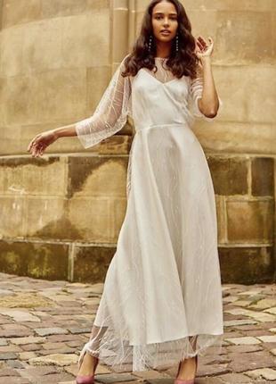 Белое свадебное кружевное платье