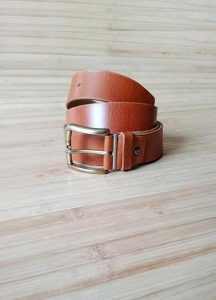 Базовый кожаный ремень рыже-коричневого цвета