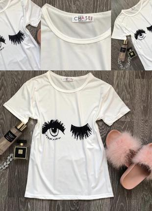 Біла футболка з принтом очей