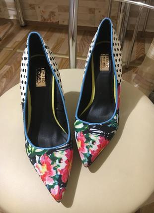 Яркие туфли из лимитированной коллекции распродажа