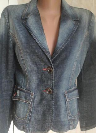 Стильный джинсовый пиджак раз. 38
