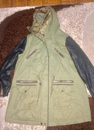 Демисезонная куртка парка с кожаными рукавами