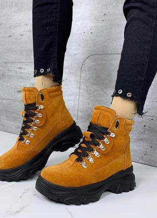 Зимние замшевые ботинки рыжего цвета,ботинки на платформе из натуральной замши.