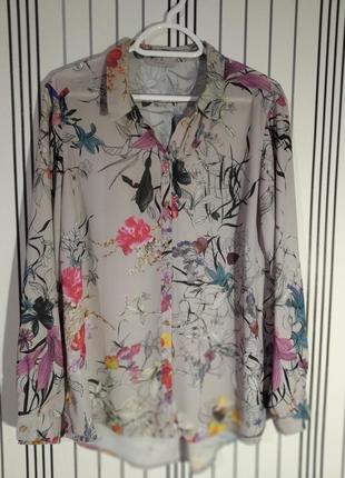 Блузка квіткова
