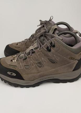 Фирменные трекинговые ботинки на гортексе