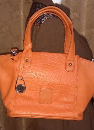 Betty jackson black сумка 40*20 натуральная кожа