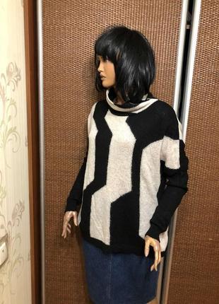 Шикарный свитер люкс бренда в составе мохер и шерсть