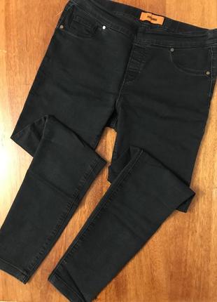Чёрные скинни джинсы джеггинсы с высокой посадкой