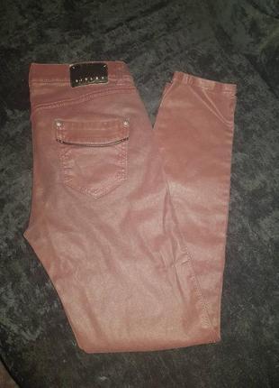 Темно-бордовые брюки-скини под кожу