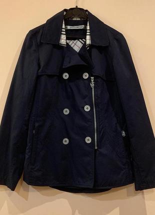 Женская куртка-плащ