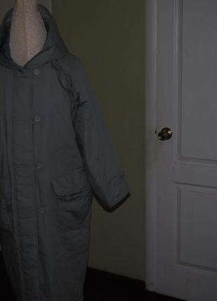 Отличное пальто прямого кроя с капюшоном