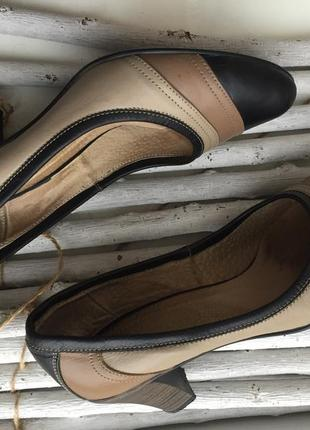 Классические кожаные туфли лодочки