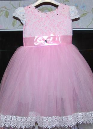Пышное бальное платье 3-4 года кружева