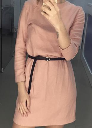 Платье шерстяное бледно розового цвета