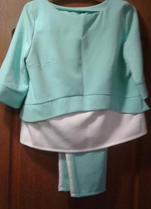 Весняно-літній костюм мятного кольору